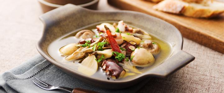 きのことタコのアヒージョ(オイル煮)のイメージ